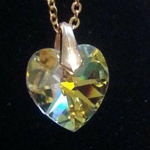 Beautiful vintage single crystal heart pendant EVC